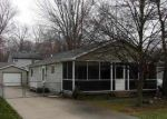 Foreclosed Home in Algonac 48001 ISLAND DR - Property ID: 3320353738