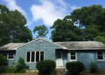 Foreclosed Home in Central Islip 11722 FERNDALE BLVD - Property ID: 3342096968
