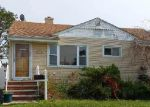 Foreclosed Home in Freeport 11520 HUBBARD AVE - Property ID: 3342117988