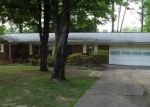 Foreclosed Home in Knoxville 37918 DORIS CIR - Property ID: 3345967324