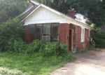 Foreclosed Home in Memphis 38104 WALKER AVE - Property ID: 3346005434