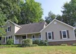 Foreclosed Home in Decatur 35603 WAY THRU THE WOODS SW - Property ID: 3348104196