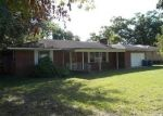 Foreclosed Home in Jacksonville 32208 ESTES RD - Property ID: 3348462913