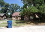 Foreclosed Home in Humble 77396 N HOLLOW CIR - Property ID: 3350361975