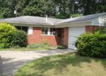 Foreclosed Home in Farmington 48336 TUCK RD - Property ID: 3350394367