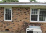 Foreclosed Home in Oneonta 35121 2ND ST S - Property ID: 3355575154