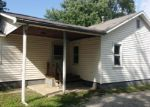 Foreclosed Home in Mattoon 61938 N 1ST DIVISION ST - Property ID: 3358474551