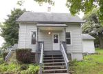 Foreclosed Home in Elgin 60123 GENESEE AVE - Property ID: 3360982384