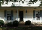 Foreclosed Home in Jackson 38301 WOODS EDGE DR - Property ID: 3363226573