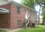 Foreclosed Home in Evansville 47715 E OAK ST - Property ID: 3370232852