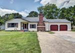 Foreclosed Home in Hampton 23664 BEACH RD - Property ID: 3374182489