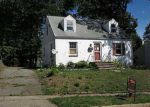 Foreclosed Home in Highland Park 8904 S 7TH AVE - Property ID: 3375206471