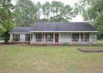 Foreclosed Home in Muscle Shoals 35661 BLAINE ST - Property ID: 3378060759