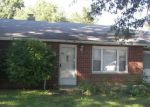 Foreclosed Home in East Saint Louis 62206 PARKLANE DR - Property ID: 3378716391