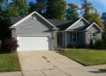 Foreclosed Home in South Bend 46614 HIDDEN CREEK DR - Property ID: 3379062395