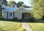 Foreclosed Home in Scottsville 42164 E WALNUT ST - Property ID: 3379253349