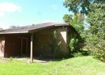 Foreclosed Home in Clute 77531 FOUR OAKS ST - Property ID: 3380061862