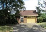 Foreclosed Home in La Marque 77568 LAURA AVE - Property ID: 3380085953