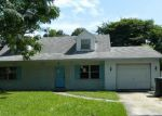 Foreclosed Home in Tampa 33615 BEDFORD LN - Property ID: 3382252150