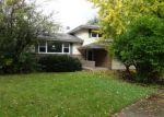 Foreclosed Home in Elgin 60123 RIDGEWAY DR - Property ID: 3384063623