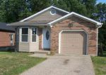 Foreclosed Home in New Albany 47150 WAYNE ST - Property ID: 3384251964