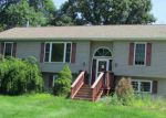 Foreclosed Home in Staatsburg 12580 N QUAKER LN - Property ID: 3386193937