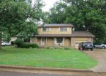 Foreclosed Home in Dyersburg 38024 WOODSIDE LN - Property ID: 3390211910