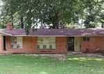 Foreclosed Home in Memphis 38116 SINGING TREES DR - Property ID: 3390252183