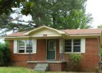 Foreclosed Home in Portland 37148 JIM COURTNEY RD - Property ID: 3390536883