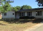 Foreclosed Home in Greenwood 29649 GREENBRIAR DR - Property ID: 3391356321