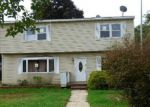 Foreclosed Home in Central Islip 11722 E CHERRY ST - Property ID: 3398518961