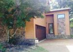 Foreclosed Home in Cordova 38018 CHRIS SUZANNE CIR - Property ID: 3402009158