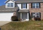 Foreclosed Home in Avon 46123 OAKBROOKE DR - Property ID: 3413034280
