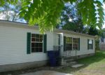 Foreclosed Home in Bay City 48706 S HENRY ST - Property ID: 3413572106