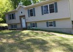 Foreclosed Home in West Milford 07480 ROBERT ST - Property ID: 3414721361