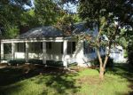 Foreclosed Home in Liberty 64068 MOSS AVE - Property ID: 3415084888
