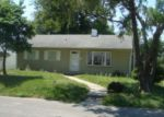 Foreclosed Home in Saint Joseph 64501 MIDLAND ST - Property ID: 3415095841