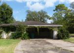 Foreclosed Home in Clute 77531 CARDINAL ST - Property ID: 3425650568