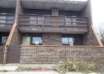 Foreclosed Home in Elgin 60120 KENNETH CIR - Property ID: 3426846225