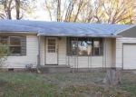 Foreclosed Home in Topeka 66605 SE IOWA AVE - Property ID: 3427034113