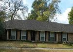 Foreclosed Home in Baton Rouge 70809 LANDSBURY AVE - Property ID: 3427146236