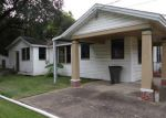 Foreclosed Home in Lake Charles 70601 7TH ST - Property ID: 3427147561
