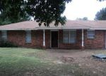 Foreclosed Home in Enid 73703 UNRUH DR - Property ID: 3435746298