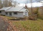 Foreclosed Home in Baxter 40806 WOLF HOLLOW RD - Property ID: 3445548601