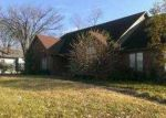 Foreclosed Home in Louisville 40272 VALLEY STATION RD - Property ID: 3445574888