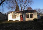 Foreclosed Home in Davenport 52806 CEDAR ST - Property ID: 3448949469