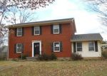 Foreclosed Home in Elizabethtown 42701 INDIAN HILLS DR - Property ID: 3459724956