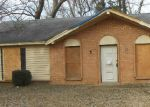 Foreclosed Home in Memphis 38128 SPRING VALLEY CV - Property ID: 3464426146