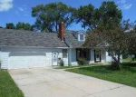 Foreclosed Home in Aurora 60505 PARKER AVE - Property ID: 3470742169