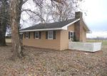 Foreclosed Home in Bowling Green 42101 BARREN RIVER RD - Property ID: 3470930507
